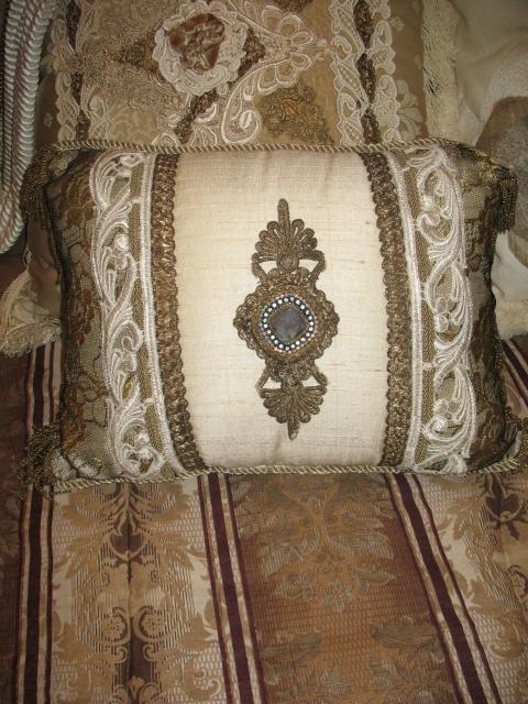 Silk & Lace pillow #008
